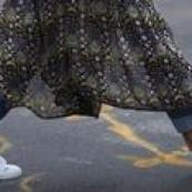 No post sobre a NYFW falamos um pouco da tendência da dobradinha vestido+calça. A dupla é um ótimo truque de styling pra incrementar o look, brincar com camadas e ainda caprichar nas sobreposições. Abaixo selecionei 15 looks pra inspirar que podem ser usados com túnica, camisa comprida, robe ou vestido propriamente dito! Minha combinação favorita, […] The post 15 looks incríveis com vestido e calça appeared first on Fashionismo.