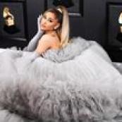 A Awards Season se encaminha pra reta final, mas sem antes rolar o tapete vermelho mais divertido, ousado, extravagante: o Grammy! Bom, é isso que a gente espera da maior festa da música, mas nem sempre acontece! Primeiro que a gente sente falta de grandes nomes como Rihanna, Beyoncé, Lady Gaga e cia, mas vamos […] The post Os melhores looks do Grammy 2020 appeared first on Fashionismo.