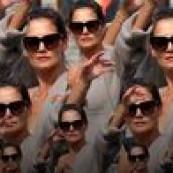 Estamos na temporada das semanas de moda, na segunda teremos nosso tradicional report de tendências, mas as fashion weeks sequer terminaram, mas podemos tranquilamente eleger o look mais falado, comentado e propagado DO ANO. Segue:  Sim, não é miragem! Katie Holmes parece que foi em 1999, mas essa foto tem nem 1 mês e […] The post Cardigan sexy, a tendência que viralizou! appeared first on Fashionismo.
