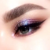 Cool fuchsia blue eyeshadow, easy glam eyemakeup by @patmcgrathreal