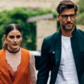 Provavelmente o casal mais chique da cena fashion: Olivia Palermo e Johannes Huebl são lindos, chiques e discretos, logo, merecem nossa tag por aí de casal! Perfeitamente chiques! Elegantemente chiques! Monocromaticamente chiques! Casualmente chiques! Apaixonadamente chiques! À paisanamente chiques! Displicentemente chiques! Concentradamente chiques! Verãomente chiques! Fotogenicamente chiques! Apaixonadamente chiques! The post 11 looks da Olivia Palermo e Johannes Huebl por aí appeared first on