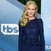 Nicole Kidman é daquele tipo de atriz que a gente conhece antes de acompanhar tapete vermelho e vestidos de festa, Nicole é atemporal e icônica! Agora se nos red carpets conhecemos seu jeito sempre impecável, pelas ruas o estilo é diferente, logo, merece um por aí pra chamar de seu! Quando rola um evento formal, […] The post 11 looks da Nicole Kidman por aí appeared first on Fashionismo.