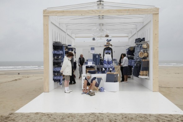 HM-Beach-Pop-up-Store-02