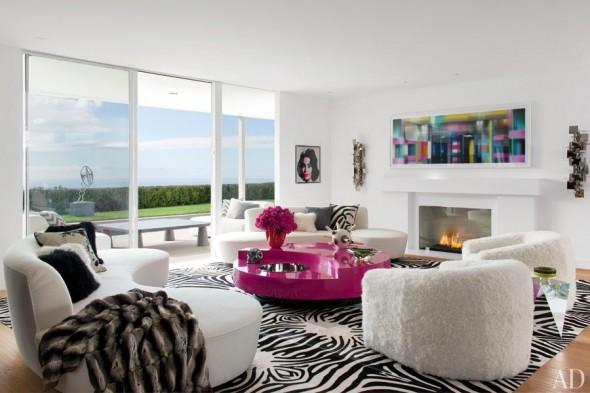 item1.rendition.slideshowWideHorizontal.elton-john-03-living-room