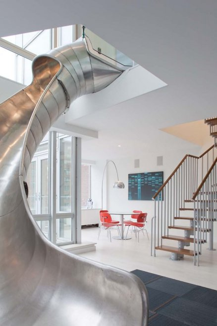 duplex-apartment-with-a-helical-slide-in-new-york-city-duplex-duplex-apartment-interior-design-ideas-438x657