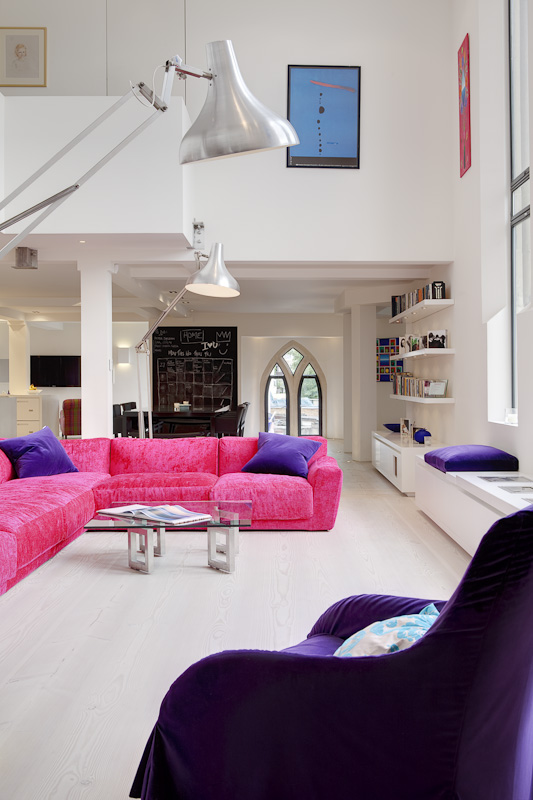 How_To_Get_Incredible_Modern_Home_In_The_Abandoned_Church_in_London_World_of_architecture_04