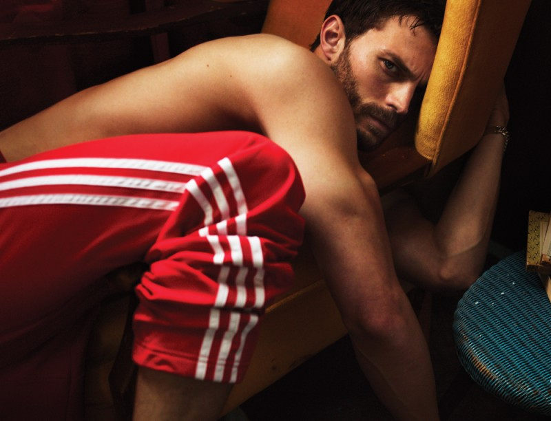 Jamie-Dornan-Interview-Magazine-Photos-011-800x612