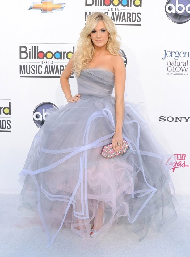 Carrie Underwood arrives at the 2012 Billboard Music Awards
