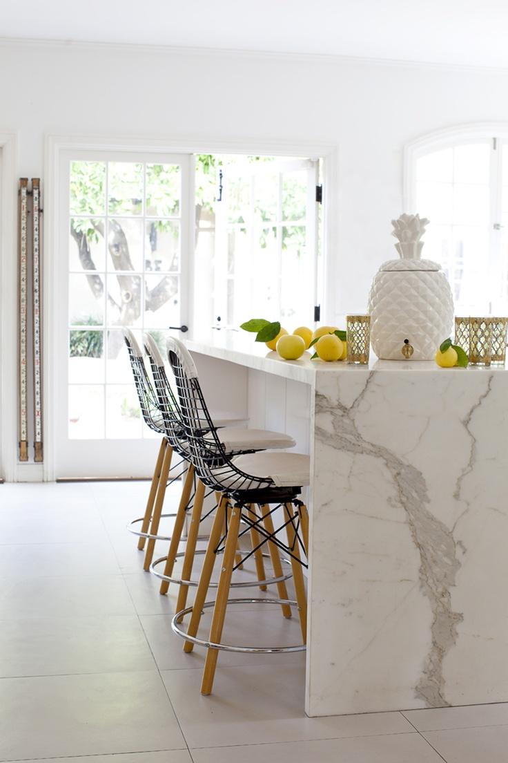 decoracao de sala humilde : decoracao de sala humilde:White Marble Kitchen Island Waterfall
