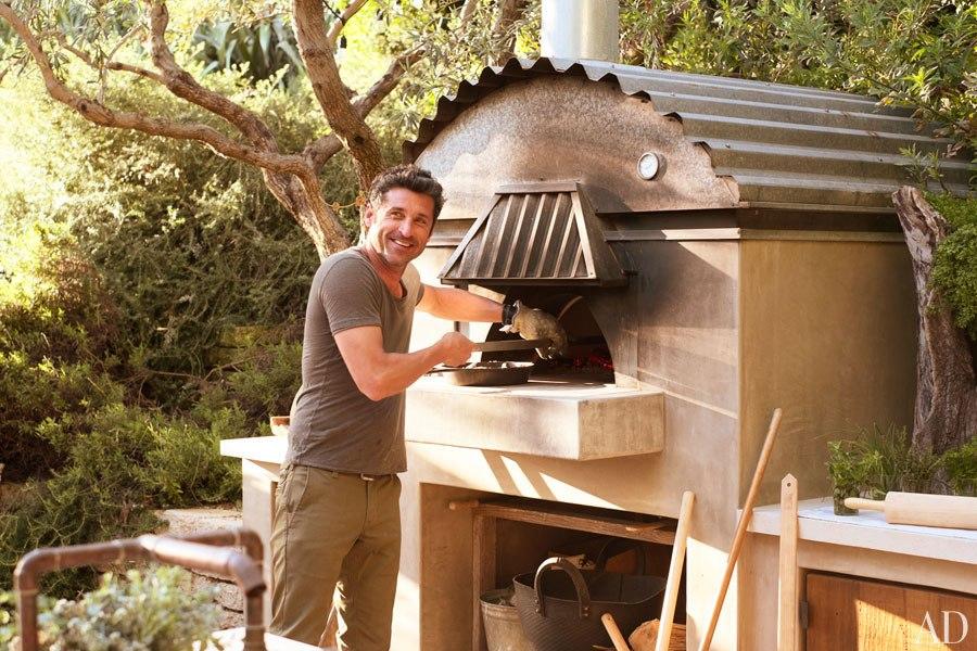item19.rendition.slideshowHorizontal.patrick-dempsey-malibu-home-22-outdoor-pizza-oven
