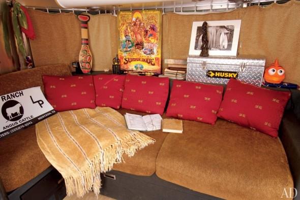 item2.rendition.slideshowHorizontal.matthew-mcconaughey-airstream-03-interior