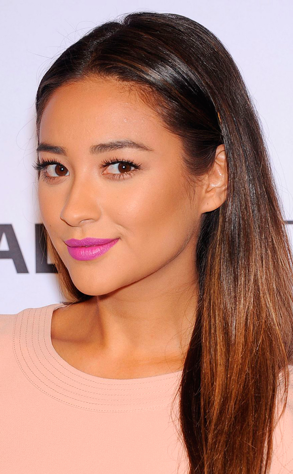 shay-mitchell-pretty-little-liars-paleyfest-2014_11