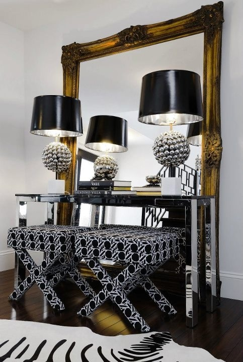 black & white decor