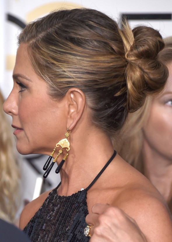 jennifer-aniston-updo-golden-globe
