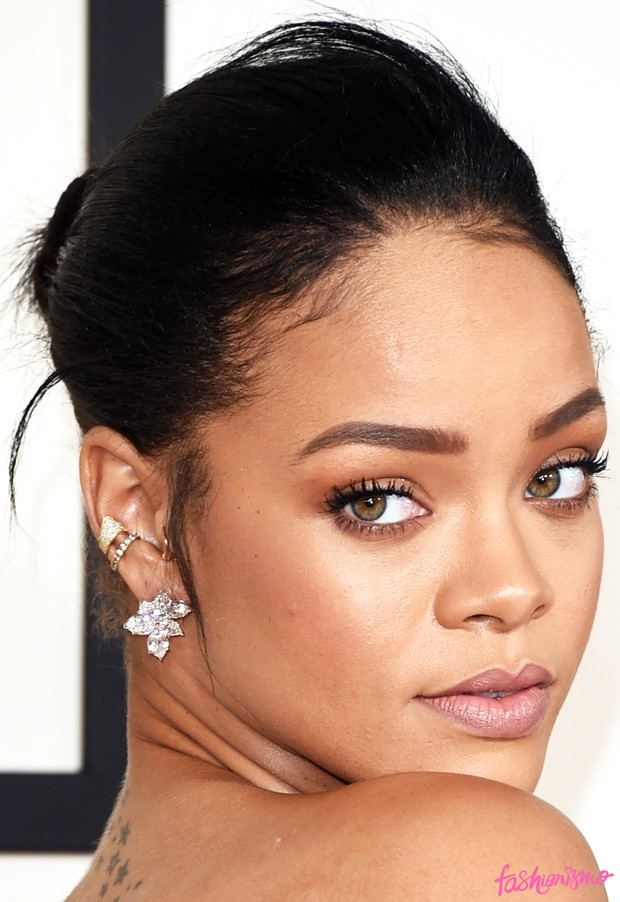rihanna Grammy 2015 Makeup