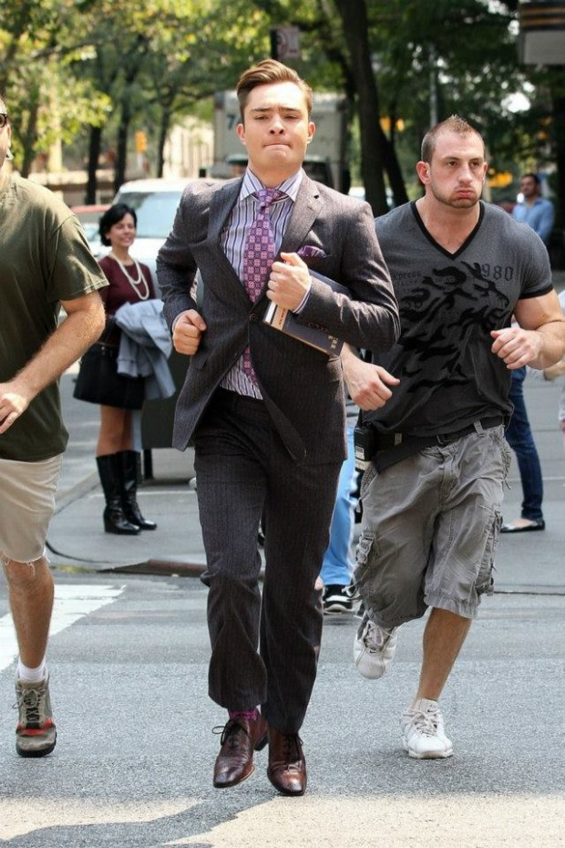 Gossip-Girl-Set-August-17-2012-ed-westwick-31862786-640-960