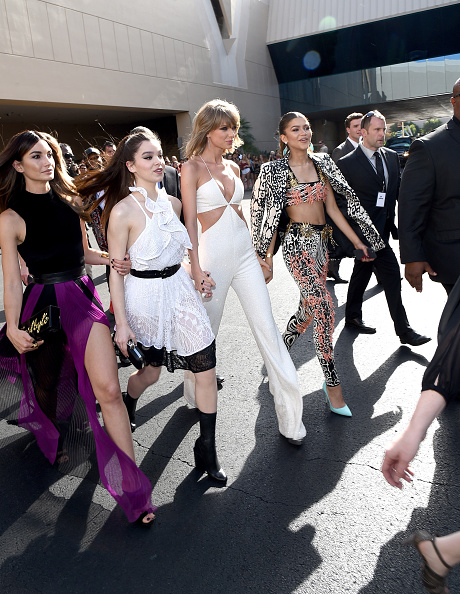 LAS VEGAS, NV – MAY 17:  (L-R) Model Lily Aldridge, actress Hailee Steinfeld, recording artist Taylor Swift and actress/singer Zendaya attend the 2015 Billboard Music Awards at MGM Grand Garden Arena on May 17, 2015 in Las Vegas, Nevada.  (Photo by Michael Buckner/BMA2015/Getty Images for dcp)