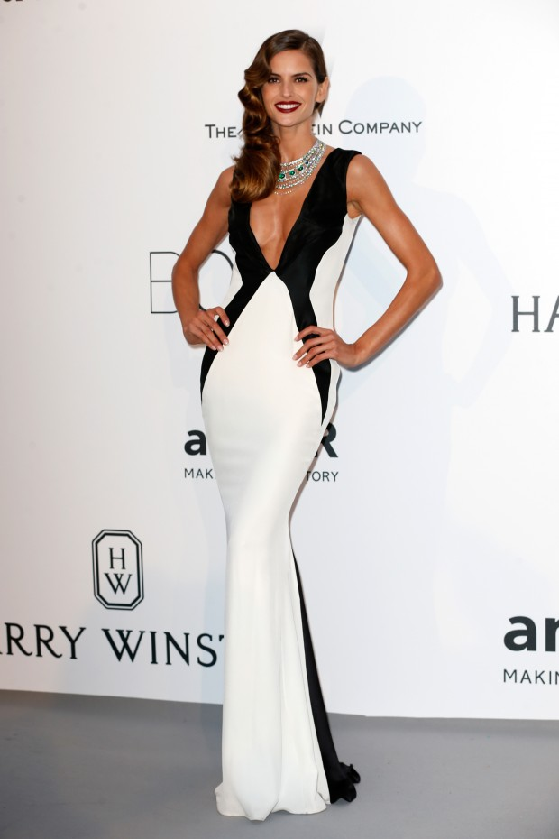 Look do dia Cannes Amfar: Izabel Goulart