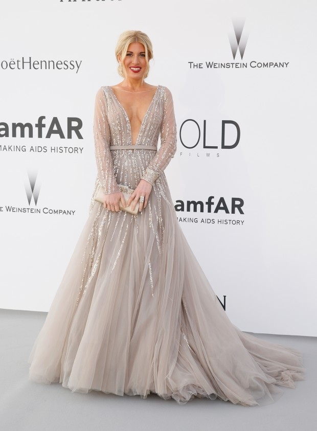 Look do dia Cannes Amfar: Hofit Golan