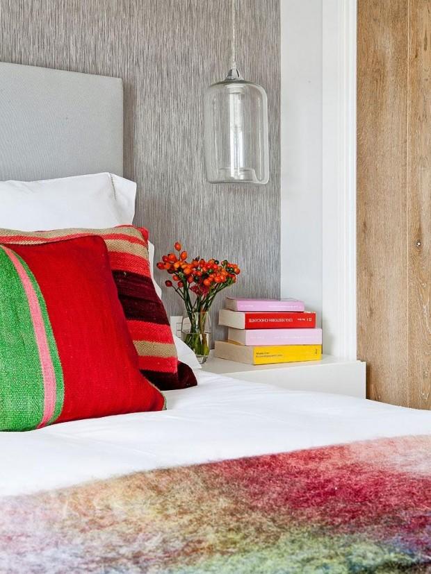 feminine-cozy-small-loft-14