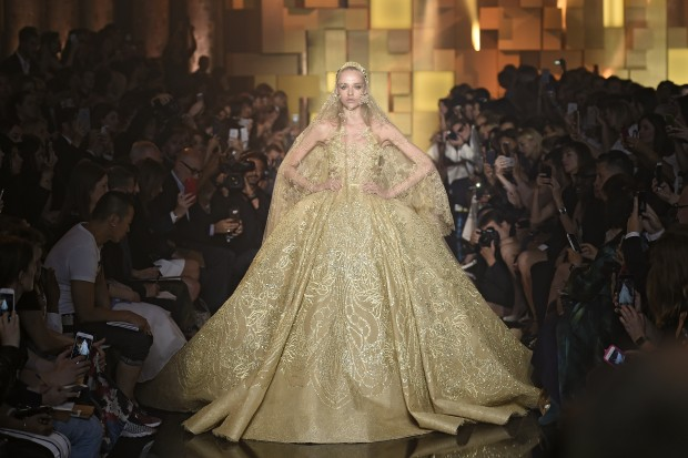 Elie Saab - Couture Fall 2015 Runway - Paris Haute Couture Fashion Week