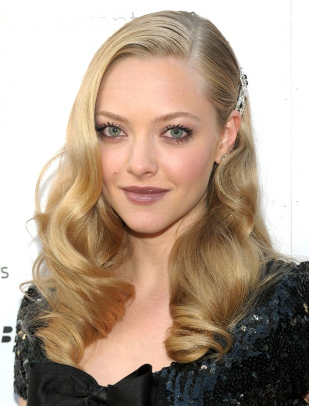 "TORONTO, ON - SEPTEMBER 13:  Actress Amanda Seyfried arrives at the ""Chloe"" screening during the 2009 Toronto International Film Festival held at Roy Thomson Hall on September 13, 2009 in Toronto, Canada.  (Photo by C.J. LaFrance/Getty Images)"