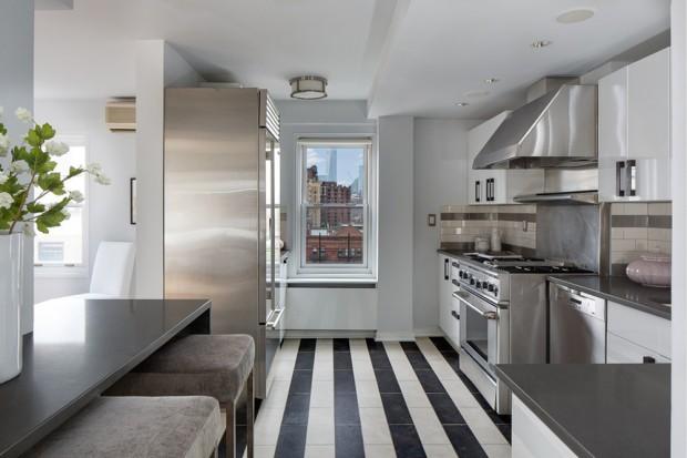 July2015-Trulia-Julia-Roberts-NYC-Condo-Kitchen