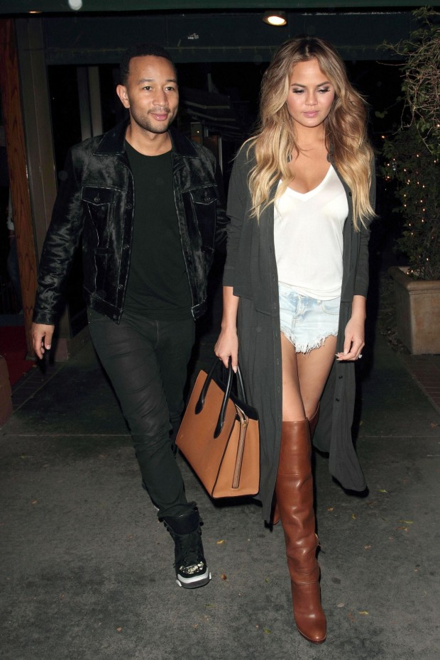 chrissy-teigen-night-out-style-madeos-restaurant-june-2015_9