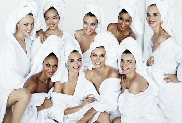 mario-testino-towel-group