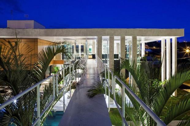 012-botucatu-house-fgmf-arquitetos-1050x700