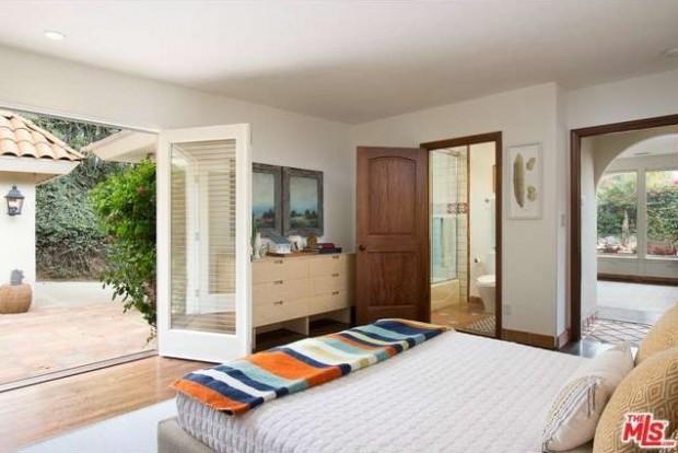 Ben-McKenzies-bedroom-89a048-e1430859949636