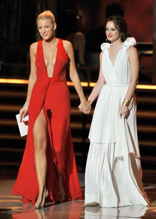 Celebutopia-Blake_Lively_and_Leighton_Meester-61st_Primetime_Emmy_Awards_Show-03_122_6095