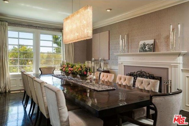 Jennifer-Lopez-home-9-15-dining-room