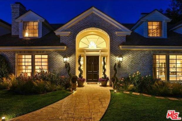 Jennifer-Lopez-home-9-15-exterior