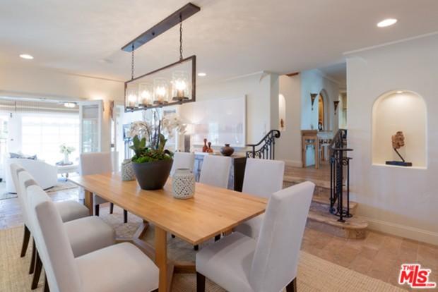 Tyra-Banks-home-9-29-Dining-Room