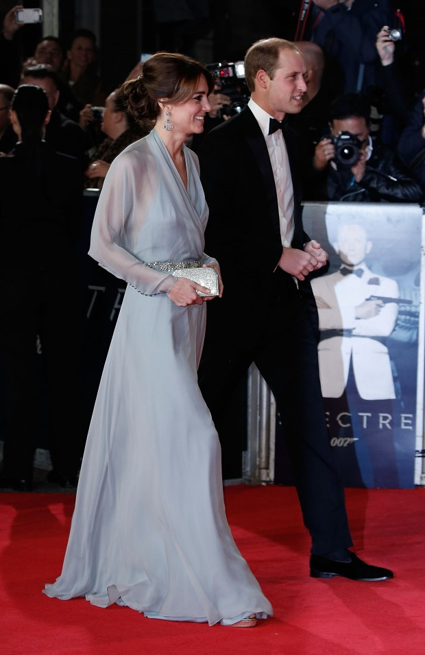 """LONDON, ENGLAND - OCTOBER 26:  Catherine, Duchess of Cambridge and Prince William, Duke of Cambridge attend the Royal Film Performance of """"Spectre""""at Royal Albert Hall on October 26, 2015 in London, England.  (Photo by John Phillips/Getty Images)"""