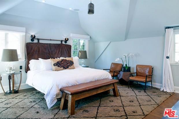 Joe-Jonas-House-Bedroom