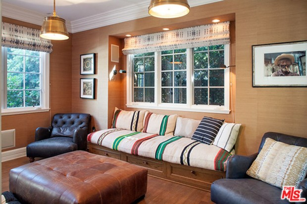 Joe-Jonas-House-Living-Room-2