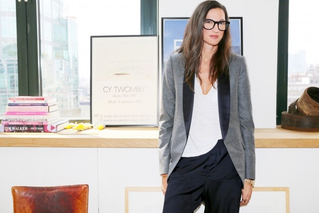 Le-Fashion-Blog-Jenna-Lyons-Queen-Of-Cool-Eyeglasses-Tuxedo-Jacket-Tee-Via-Into-The-Gloss