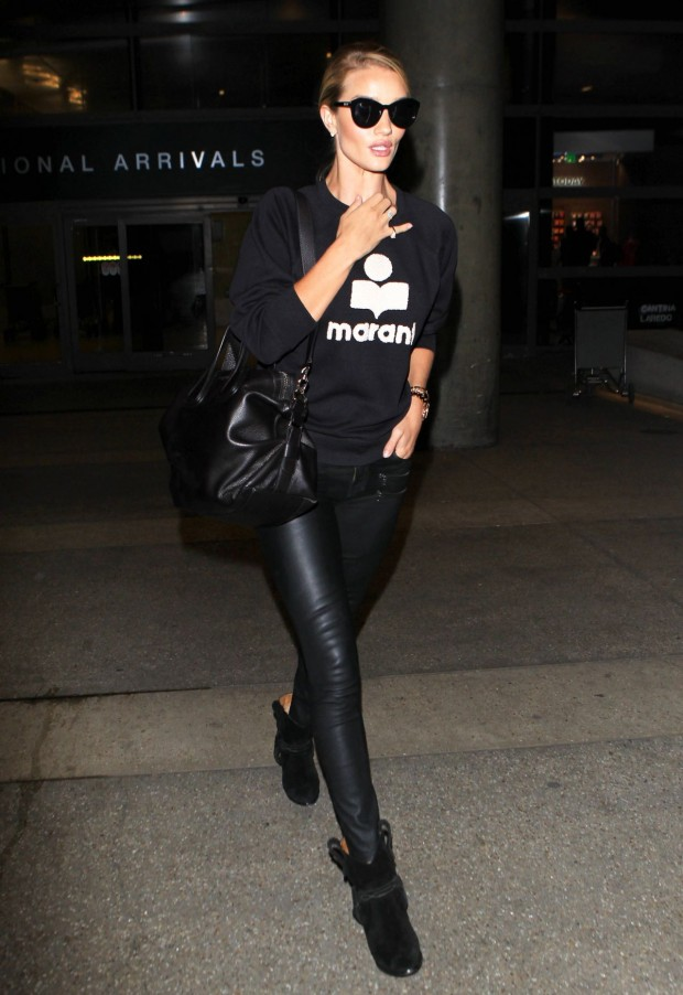 rosie-huntington-whiteley-airport-style-lax-in-los-angeles-september-2015_4