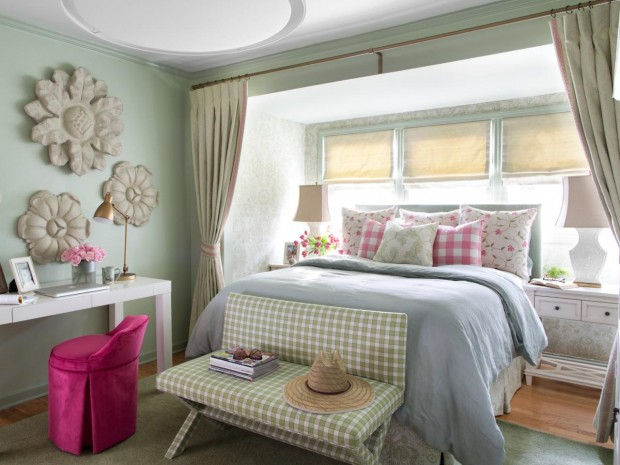 BPF_Spring-House_interior_cottage-bedroom-decor_cover_h.jpg.rend.hgtvcom.1280.960
