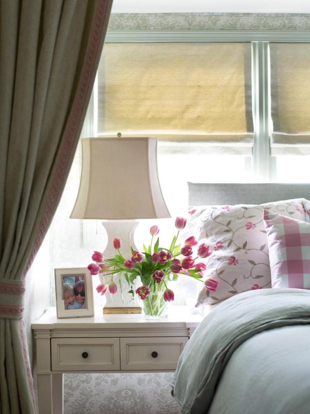 BPF_Spring-House_interior_cottage-bedroom-decor_fabrics_v.jpg.rend.hgtvcom.1280.1707