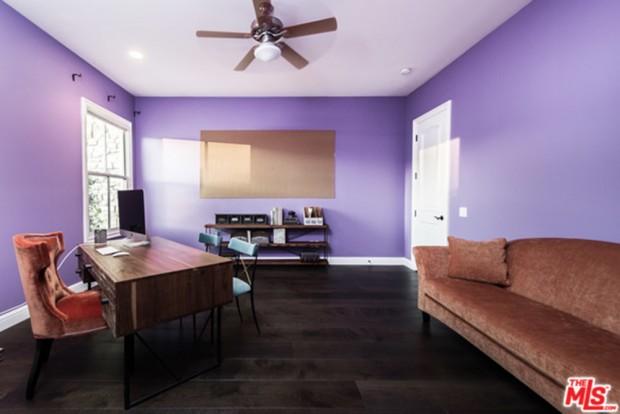 Selena-Gomez-House-11-16-Office