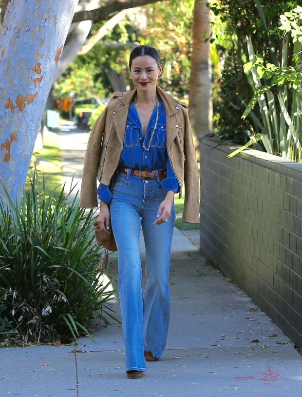 jamie-chung-in-jeans-out-in-west-hollywood-november-2015_4