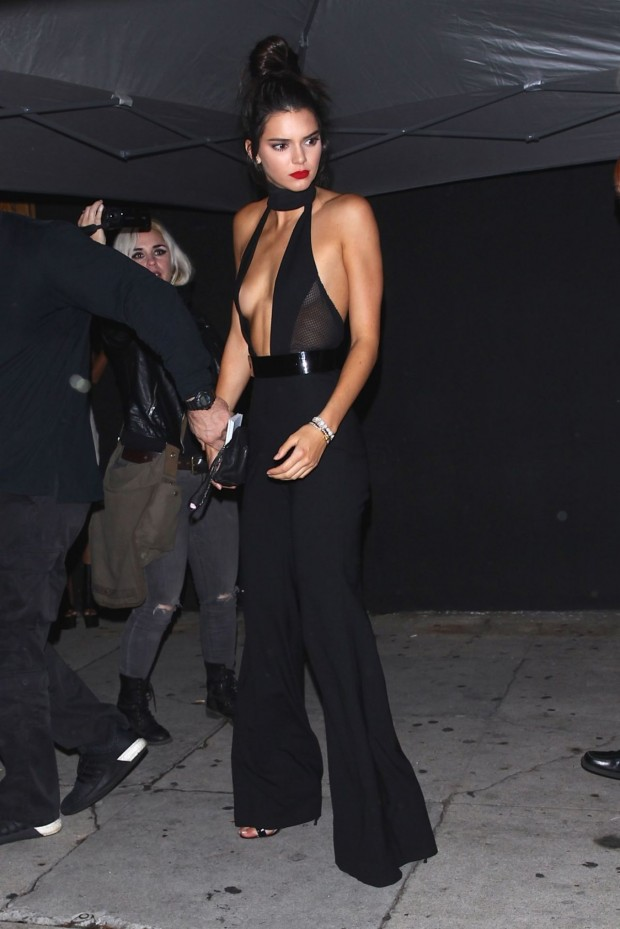 kendall-jenner-night-out-outside-the-nice-guy-in-west-hollywood-november-2015_16