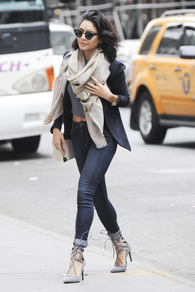 vanessa-hudgens-in-tight-jeans-out-in-new-york-city-may-2015_2-620x930