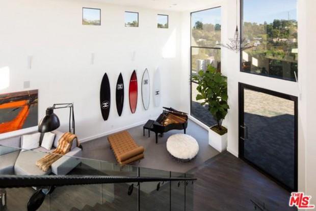 John-Legend-And-Chrissy-Teigen-Beverly-Hills-Real-Estate-Piano
