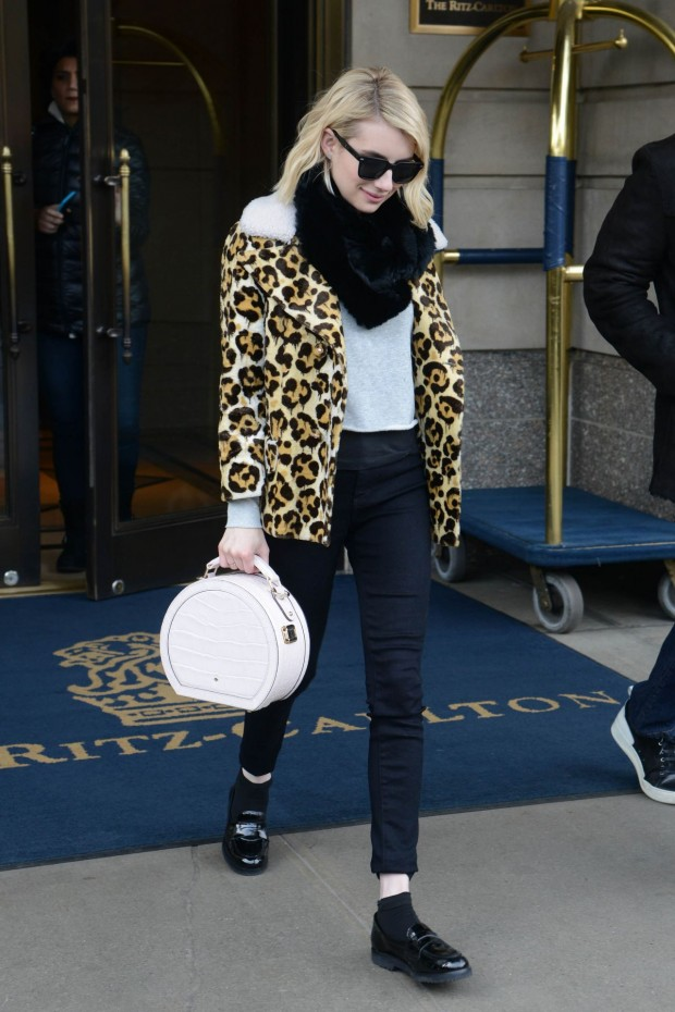 emma-roberts-leaving-the-ritz-carlton-hotel-in-nyc-11-24-2015_9