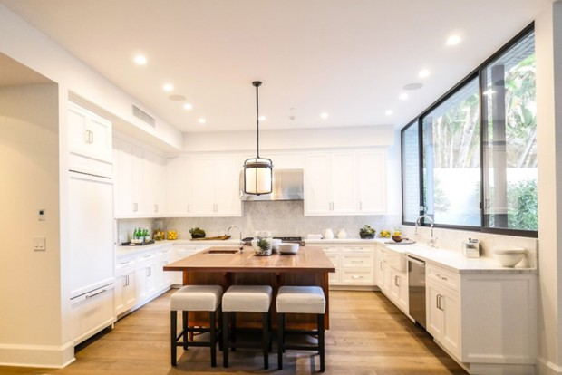 john-krasinski-and-emily-blunt-west-hollywood-home-for-sale-1-8-16-kitchen-2