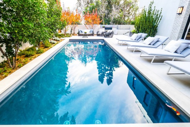 john-krasinski-and-emily-blunt-west-hollywood-home-for-sale-1-8-16-pool-2